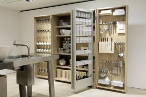 In 2008, the editors of all 24 worldwide Elle Deco magazines deemed the design of b2 mobile kitchen system, produced by Bulthaup, the best of the year in the category Kitchen.