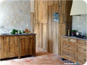 Kitchens made of reclaimed materials put together geniusly
