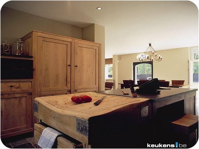 the antique butcher block blends right in  july   2009   european kitchen design com  rh   european kitchen design com