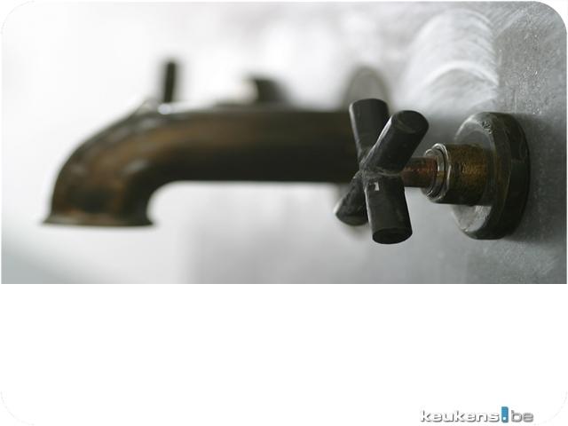 disassemble bathroom faucet handle